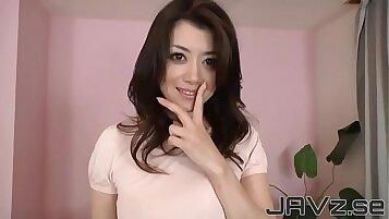 Japanese Mature Girl Enjoying POV Blowjob Show In Karakura Emporisake