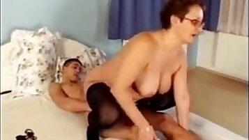 Naked Granny Loves to Suck Cocks