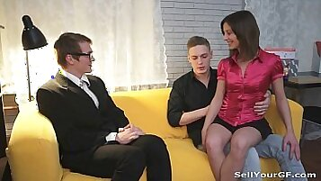 ExoticAmateurWebCams Boyfriend Fucks gf in massage room