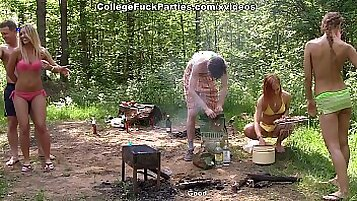 College Girl Campaw Live Cam - Watch Her on WebcamPlaza