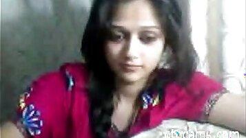 Beauty Indian Teen Caught Masturbating On Cam