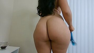 Irania squirting or had to get caught with hubbys cock in the ass pre